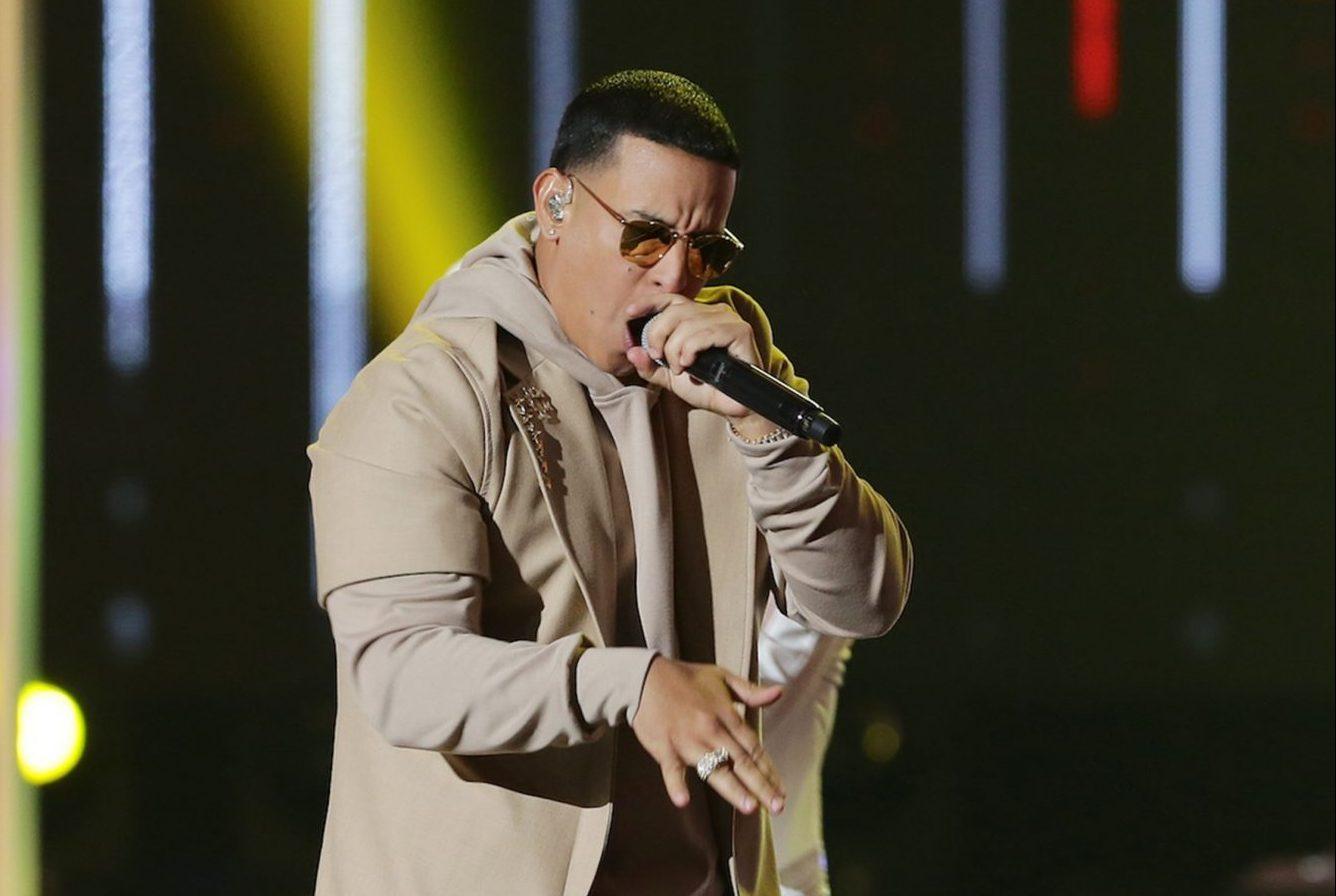 Triunfa el reggaeton en Premios Lo Nuestro 2020