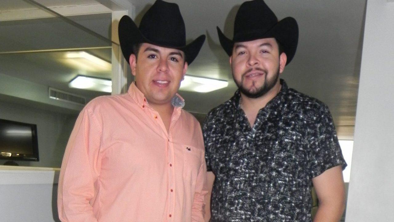 Roberto Tapia Y Su Esposa