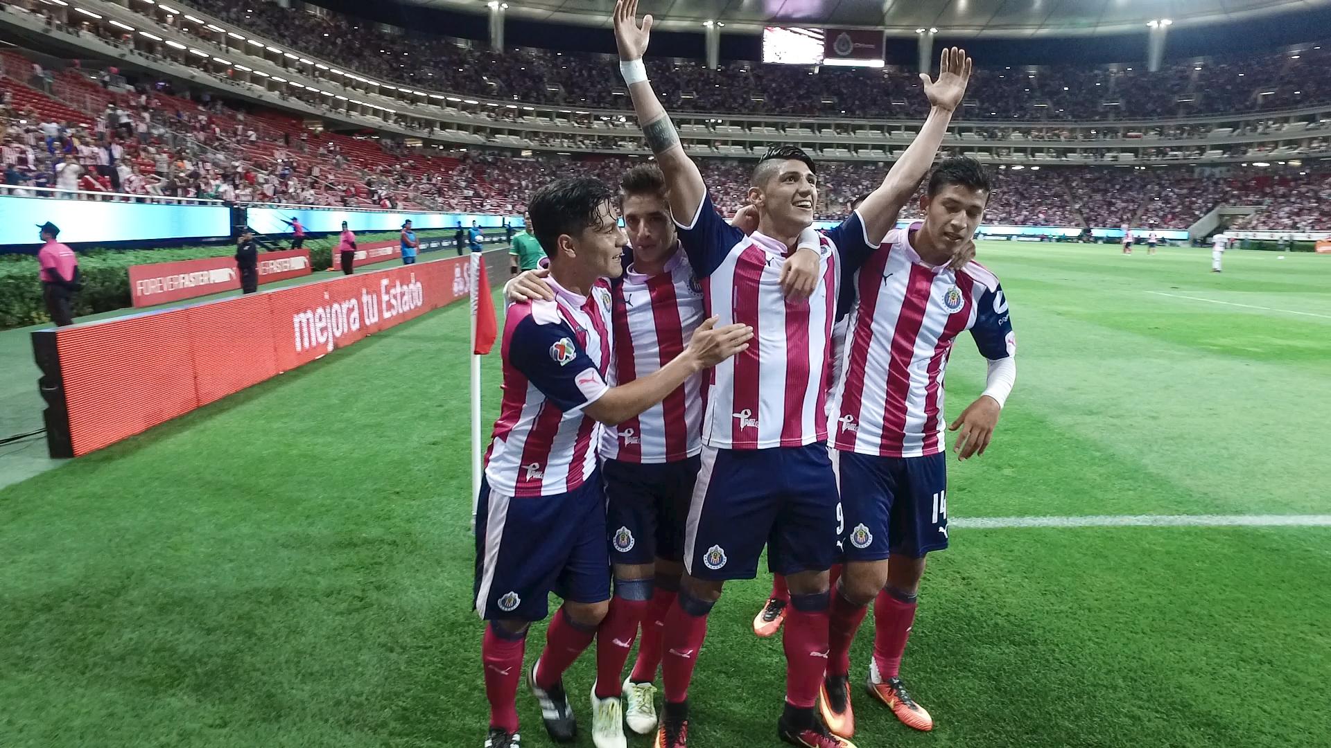 Amaury Vergara asegura que en Chivas no han perdido el camino