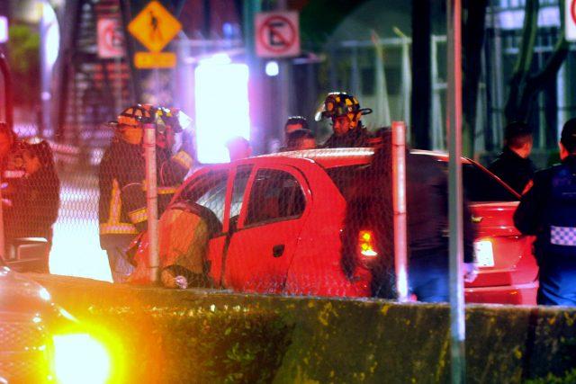 034a9fc17ff2e Muere hombre al impactar auto contra muro