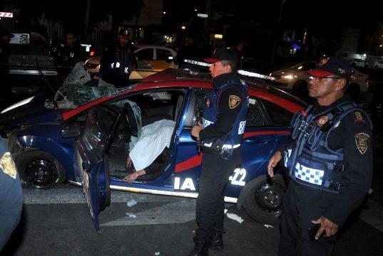 cdbfe96202d4b Choque deja a policía muerto en Avenida Revolución
