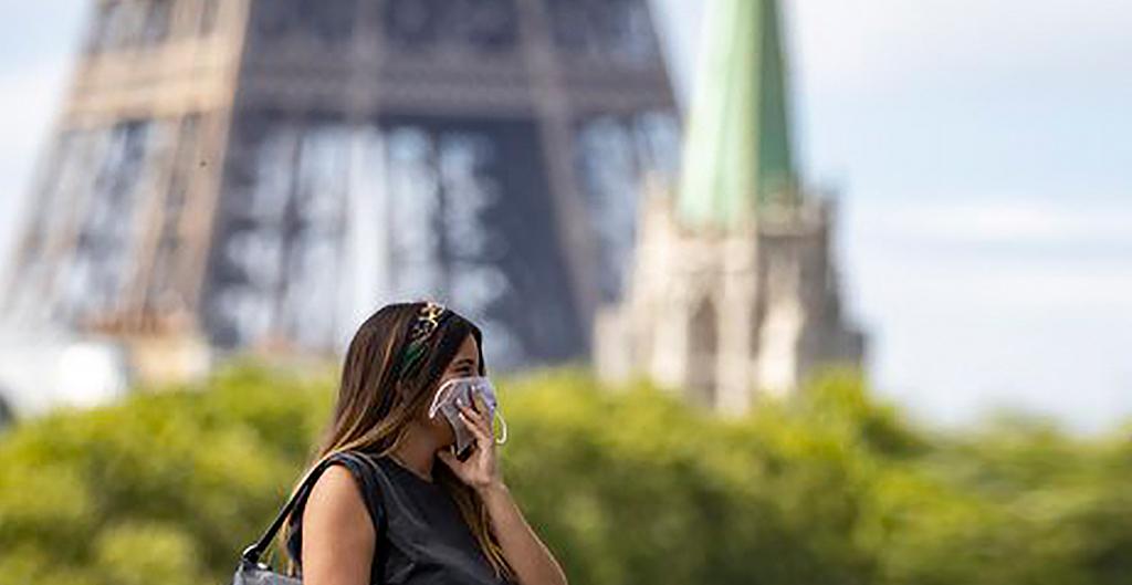 Macron anuncia un toque de queda en París y otras ocho ciudades