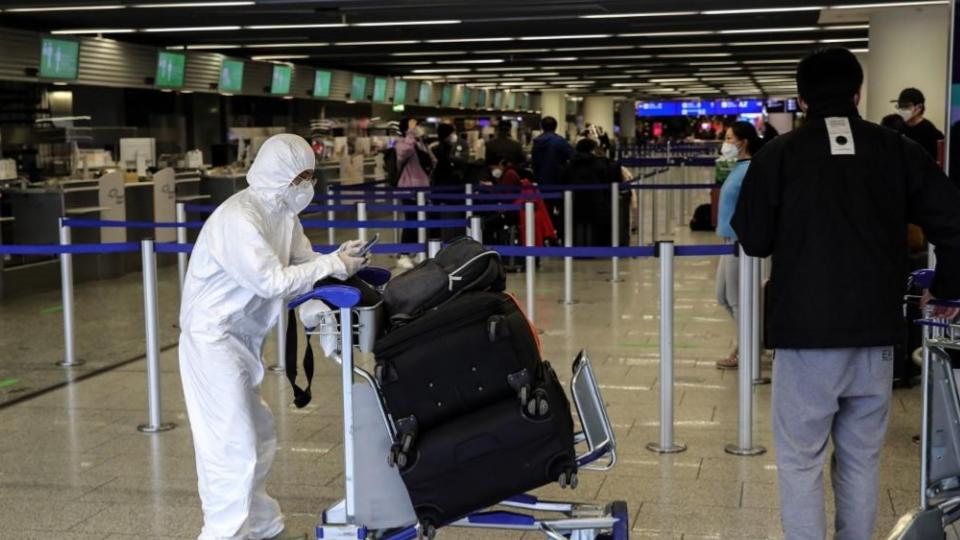 Analizará México restricciones de viaje provenientes de Reino Unido