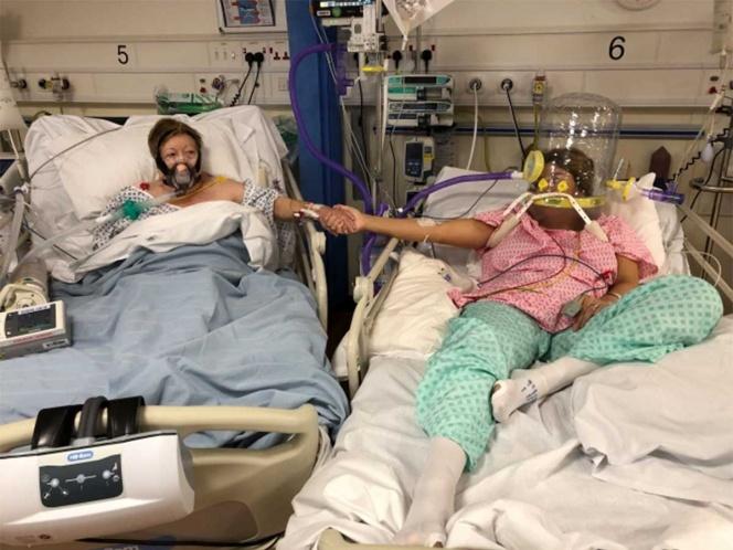 Madre pide que le quiten la máscara de oxígeno para despedirse de su hija con covid