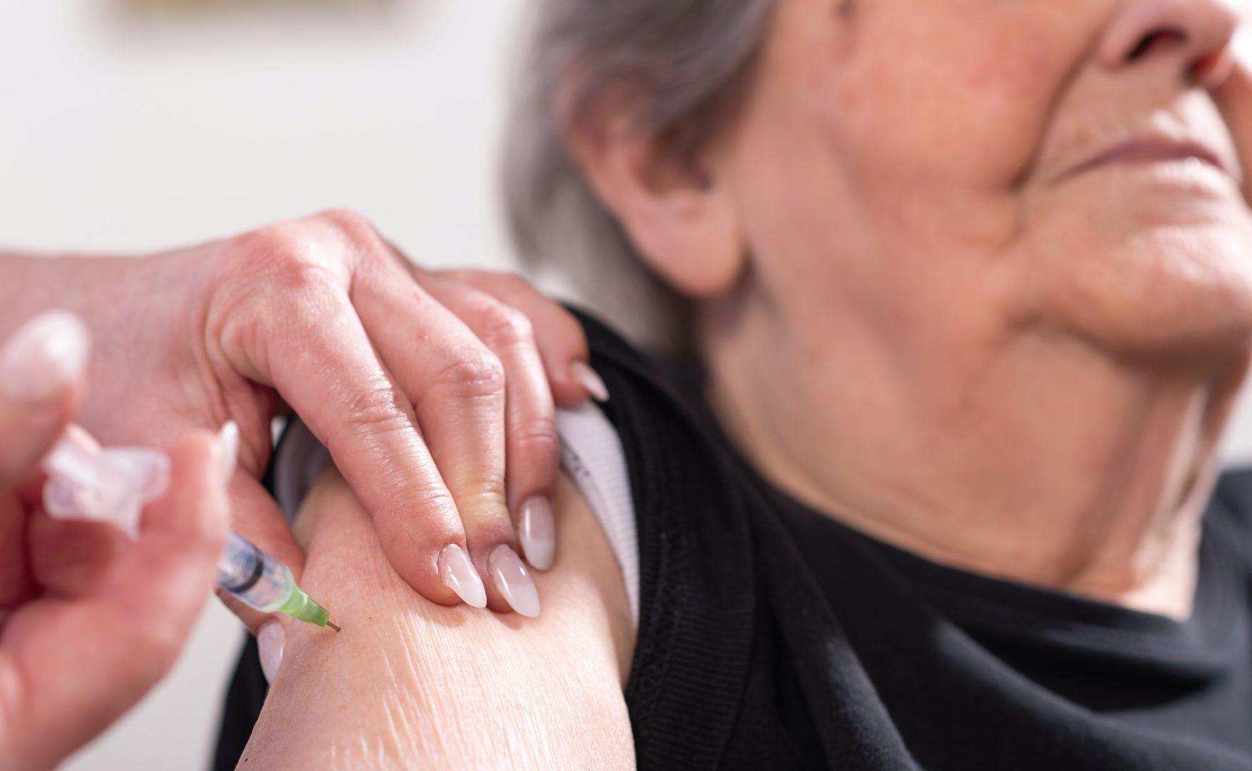 Continuará la etapa de vacunación contra covid