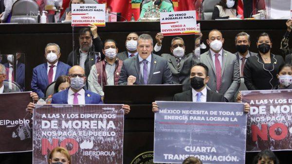 Diputados de Morena y aliados defendieron la iniciativa .