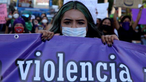 Diputados proponen crear una policía especializada en delitos contra mujeres.