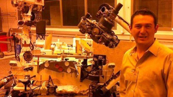 Mexicano apoya en construcción de equipo con dirección a Marte