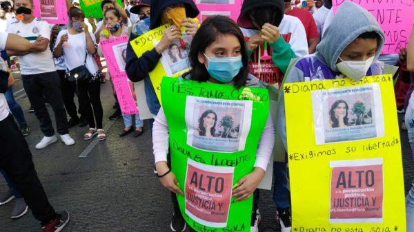 Los obligan a participar en marcha a favor de Diana Sánchez Barrios