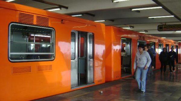 Cerrarán tres estaciones de L-9 del Metro
