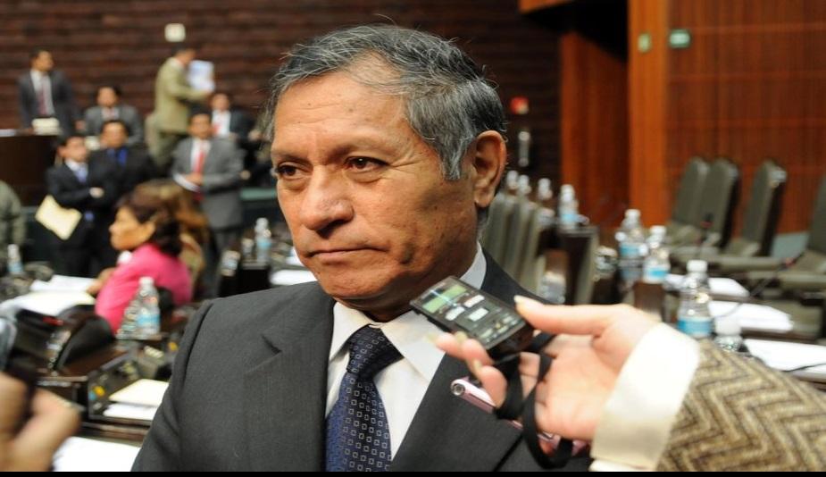 Emilio Serrano, ex dirigente perredista, busca diputación por Morena en Iztacalco.