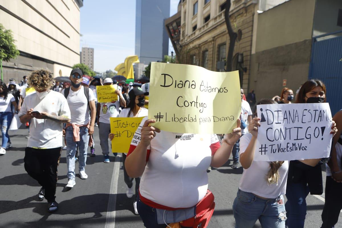 Otra vez, obligan a comerciantes a marchar en favor de Diana Sánchez Barrios