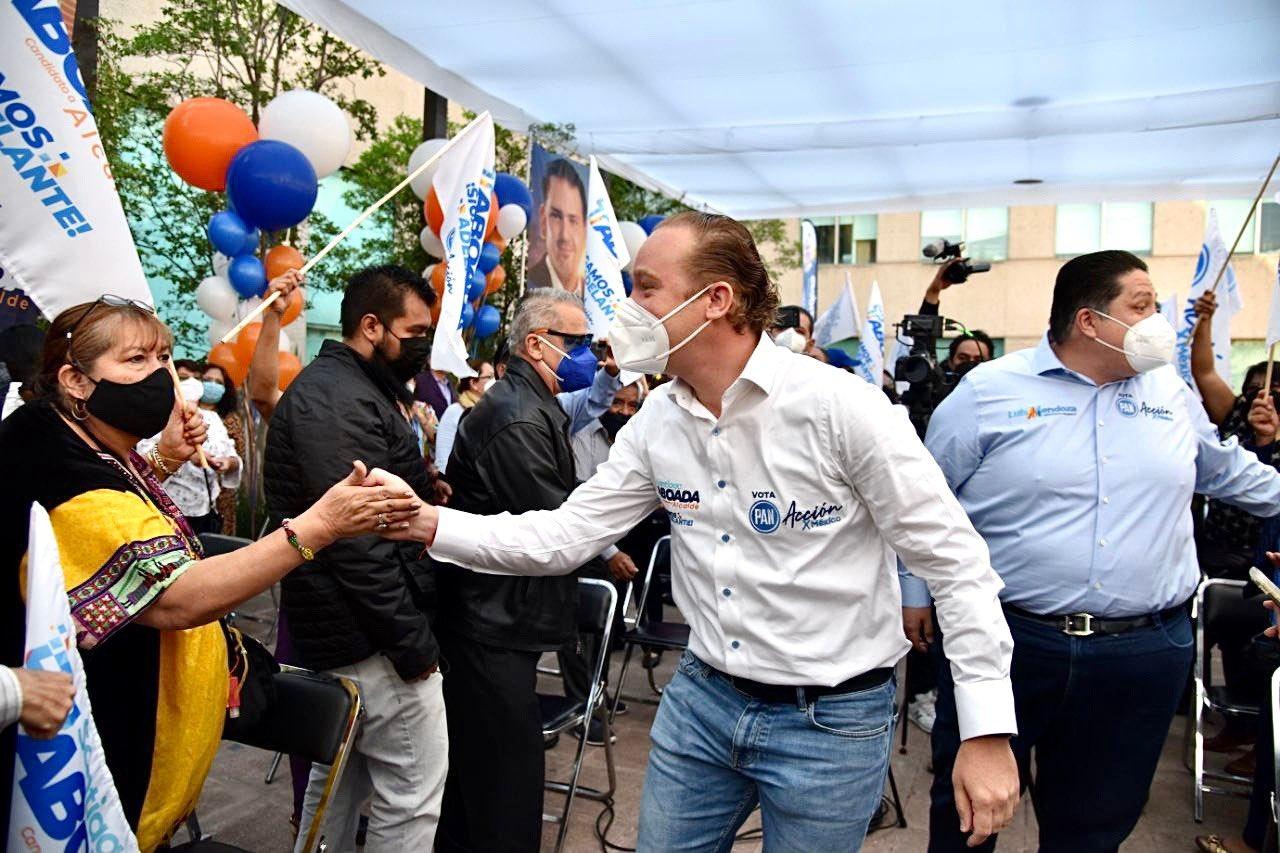 Santiago Taboada usa infraestructura de Benito Juárez en campaña