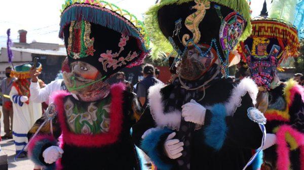 Defiende tradiciones de Chinelos en Xochimilco