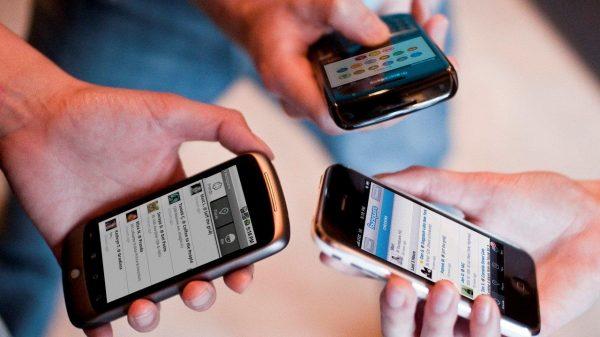 Juez desecha amparos contra registro telefónico