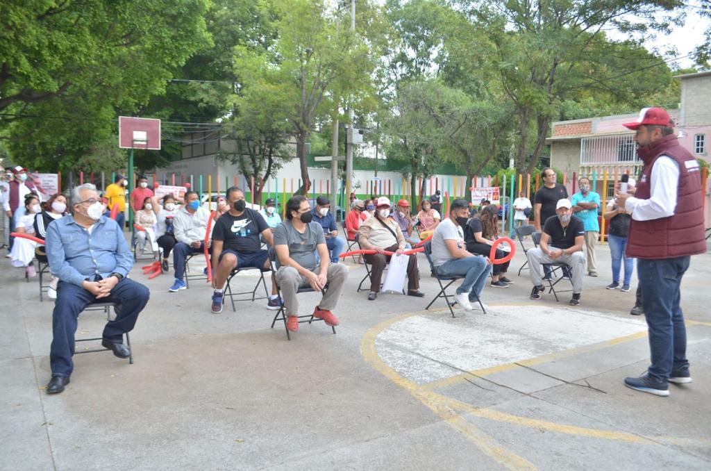Alcaldes buscan reelección reciclando promesas