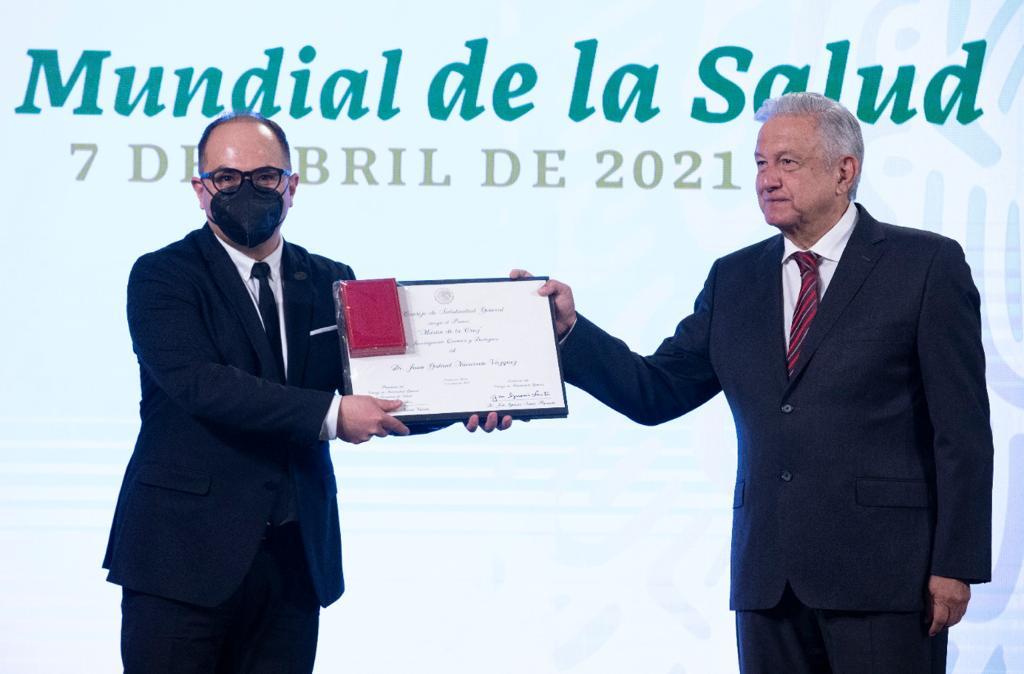 Estos son los ganadores de los Premios al Mérito 2021 que reconoció AMLO