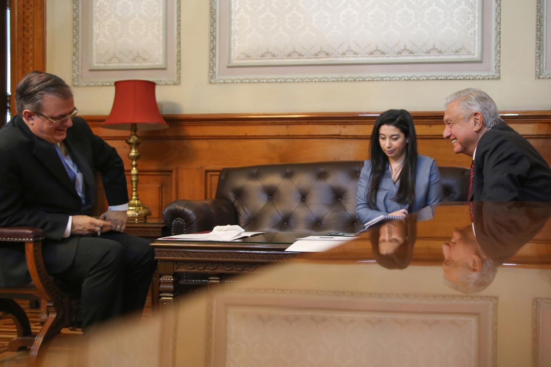 Dialogan AMLO y Kamala Harris