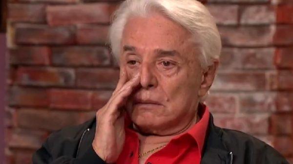 Enrique Guzmán niega y llora por acusaciones de Frida Sofía