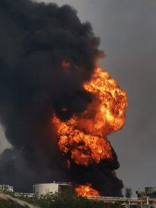 Se registra explosión en refinería de Minatitlán, Veracruz