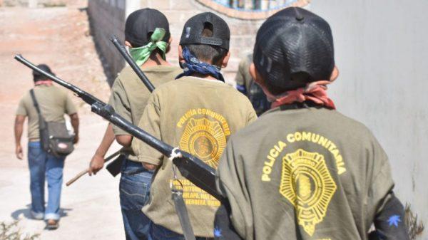 Niños policía en Guerrero