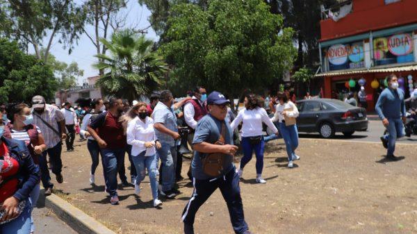 Gente del Sindicato Libertad a favor del PRD ataca a morenistas en Ecatepec