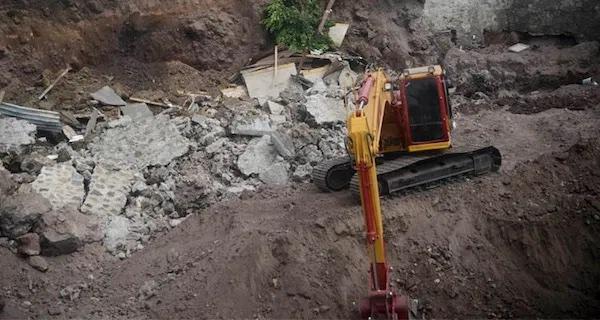 Solapan construcciones ilegales en Álvaro Obregón