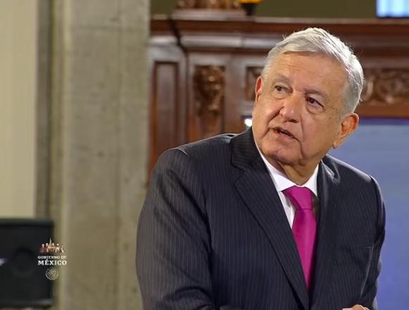 """""""Reelíjase"""", piden a AMLO en Tabasco"""
