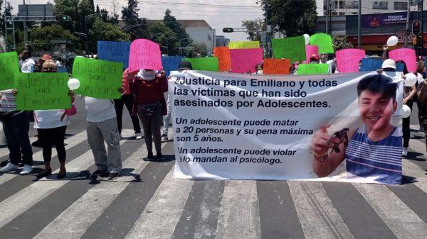 Claman justicia para Emiliano, menor asesinado en la Roma