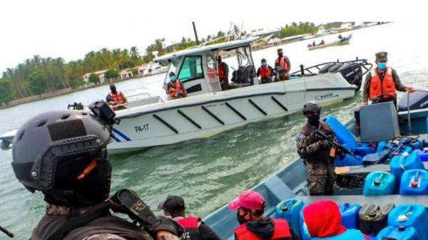 Detienen en El Salvador a 3 mexicanos con 700 mdp en cocaina