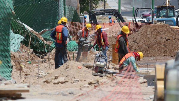 UNAM ofrece cursos para albañiles