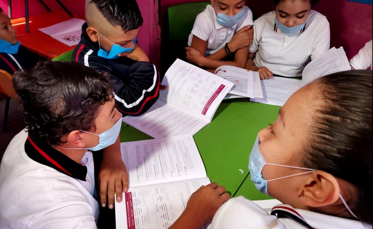 Padres y docentes preocupados por regreso a clases