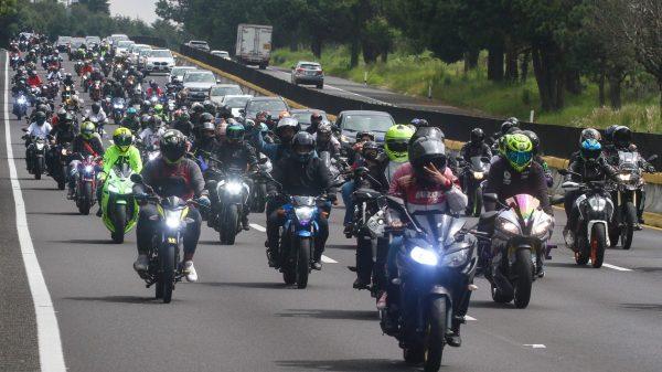 Más de 300 bikers hacen rodarda a Tres Marías