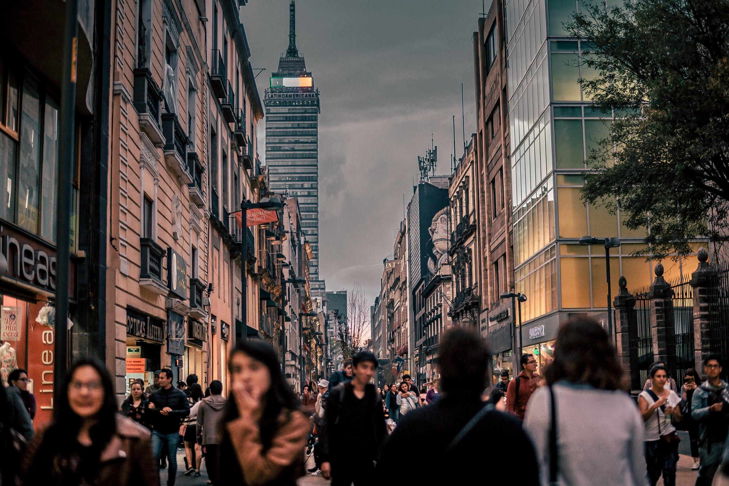 Supera CDMX a los Ángeles y Tokio en vacunación contra COVID-19